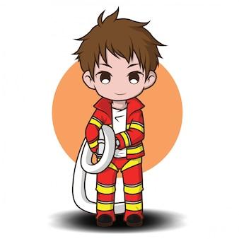 Leuke jonge jongen die de cartoon van de brandbestrijder draagt