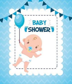 Leuke jongen met ballon voor baby shower kaart