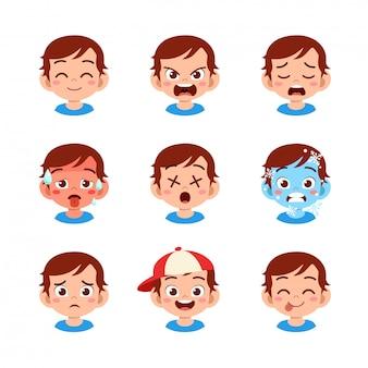 Leuke jongen met verschillende gezichtsuitdrukkingen