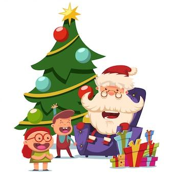 Leuke kerstman zit in een leunstoel met kinderen in de buurt van de kerstboom.