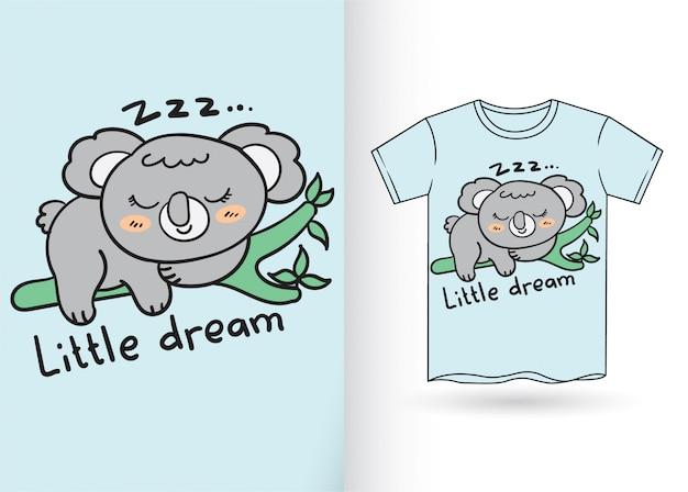 Leuke koalahand die voor t-shirt wordt getrokken
