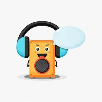 Leuke mascottespreker die aan muziek luistert