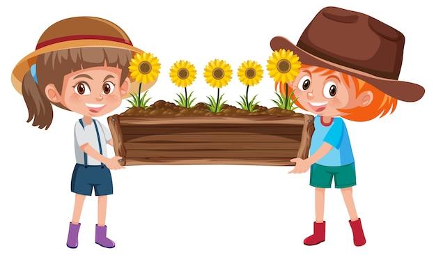 Leuke meisjes die bloem houden in het karakter van het houten potbeeldverhaal dat op witte achtergrond wordt geïsoleerd