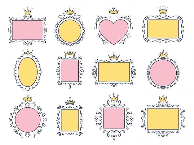 Leuke prinsesframes. roze spiegellijst met prinsessenkroon, majestueuze handgetekende tekstranden en koninklijke doodle kaderset. verzameling van lege borden met diademen. tiara's, bloeien elementen