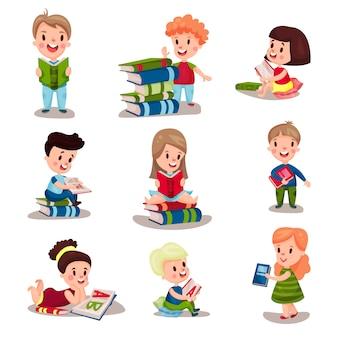 Leuke slimme kinderen die boekenreeks lezen