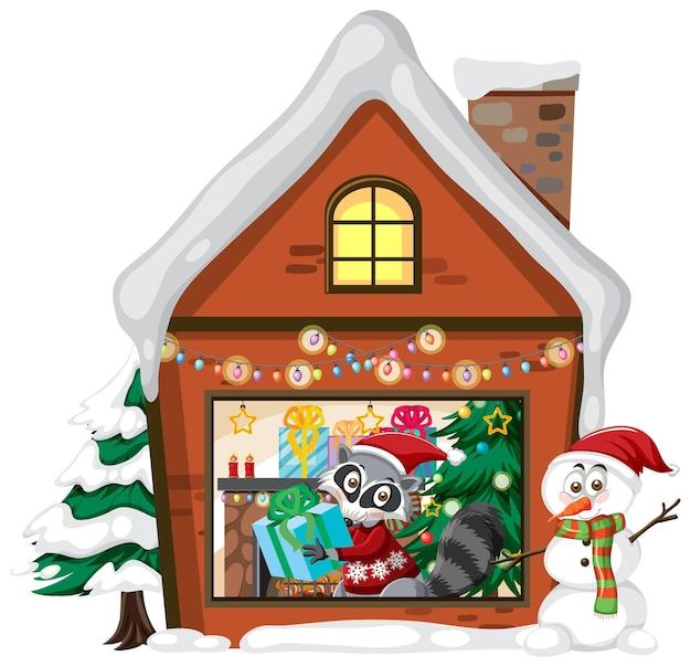 Leuke wasbeer in kerstmishuis op witte achtergrond
