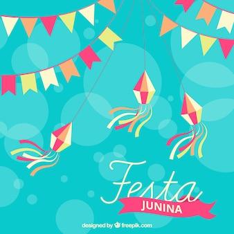 Lichtblauwe achtergrond met decoratie van festa junina