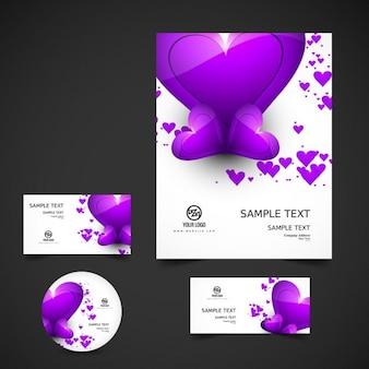 Liefde briefpapier met paarse hartjes