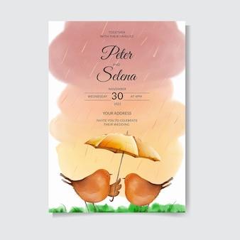 Liefde in de regen schattige en mooie vogels handgetekende aquarel bruiloft uitnodiging premium vector