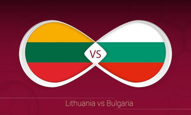 Litouwen vs bulgarije in voetbalcompetitie, groep c. versus pictogram op voetbal achtergrond.