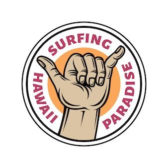 Logo badge van handgebaar shaka in vintage