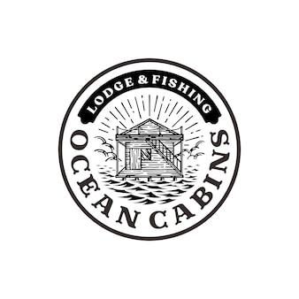 Logo-badge van oceaancabine, herberg op het oceaanlogo in vintage stijl
