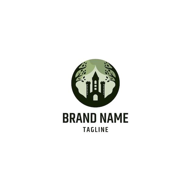 Logo-combinatie van kasteel en blad. nature castle logo ontwerpen concept vector