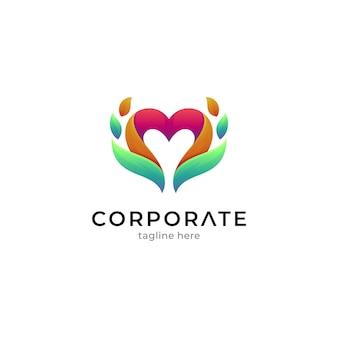 Logosjabloon van hartcombinatie met blad