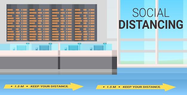 Luchthaventerminal met borden voor sociale afstand coronavirus-epidemie beschermingsmaatregelen concept horizontaal