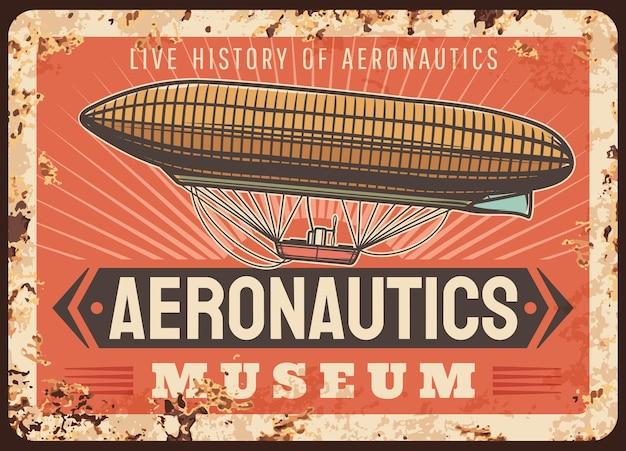 Luchtvaartmuseum roestige metalen plaat