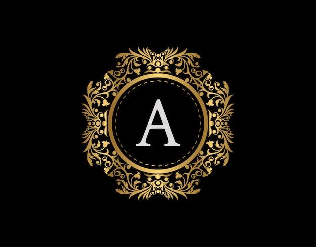 Luxe badge letter a-logo. luxe gouden kalligrafische embleem met mooi klassiek bloemenornament. classy frame design vector illustratie.
