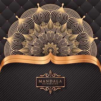 Luxe decoratieve mandala achtergrond in gouden kleur