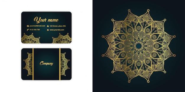 Luxe gouden mandala arabesque visitekaartje en arabesque achtergrond ingesteld op elegante groene kleur