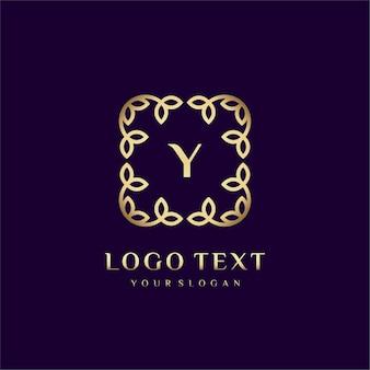 Luxe logosjabloon (a) voor uw merk met florale decoratie