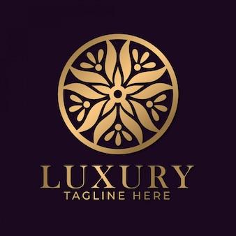 Luxe mandala logo ontwerpsjabloon voor spa- en massagezaken.