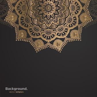 Luxe sier mandala ontwerp achtergrond in gouden kleur