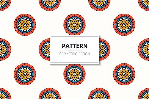 Luxe sier mandala ontwerp naadloze patroon in gouden kleur vector