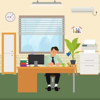 Man aan het werk op kantoor.