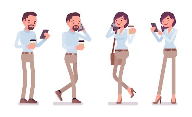 Man en vrouw met smartphone