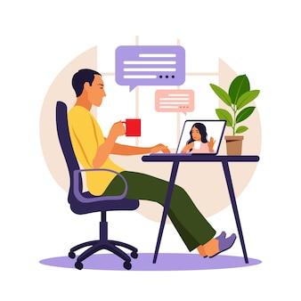 Man met computer voor videoconferentie man chatten met vriend online externe werk concept vector illustratie