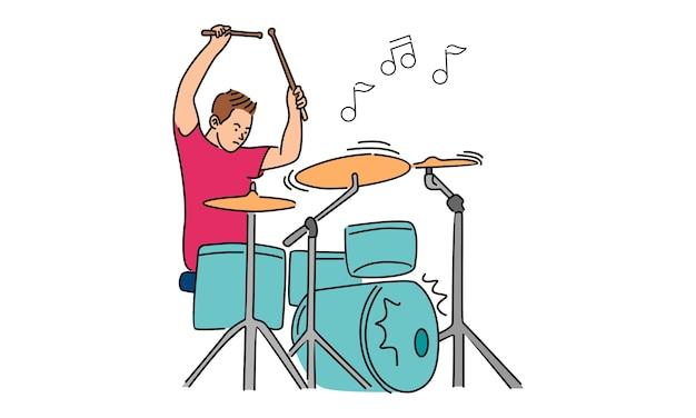 Man slaat op de drums