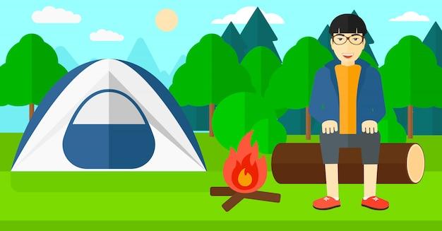 Man zit in het kamp.