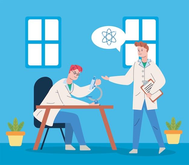 Mannelijke wetenschappers met microscoop en atoomonderzoeksvaccin