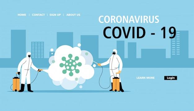 Mannen dragen een beschermend pak en reinigen en desinfecteren de stad door coronavirus of covid 19