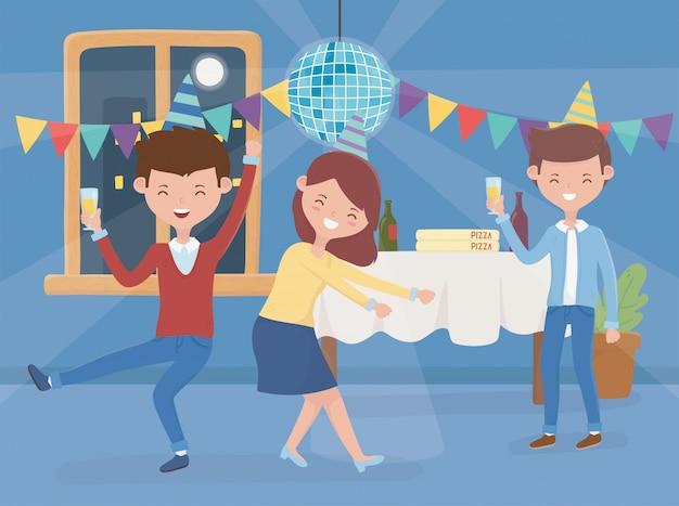 Mannen en vrouwen dansen drinken feest vieren