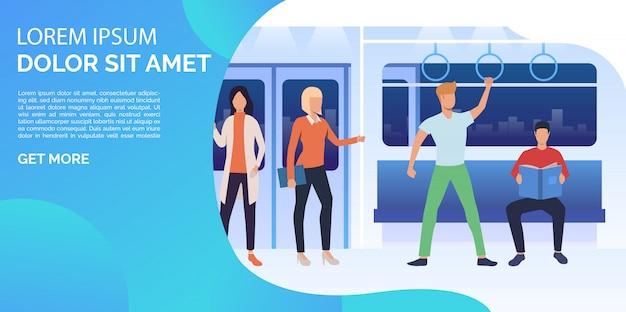 Mannen en vrouwen zitten, staan en lezen in de metro