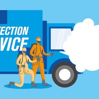 Mannen met beschermende kleding spuiten en vrachtwagenontwerp