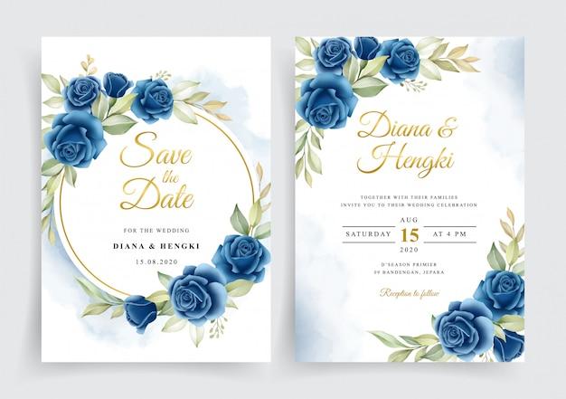 Marineblauwe bloemenkrans op de kaartsjabloon van de huwelijksuitnodiging