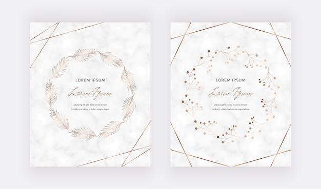 Marmeren kaarten met gouden geometrische veelhoekige lijnen en handgetekende kransframes