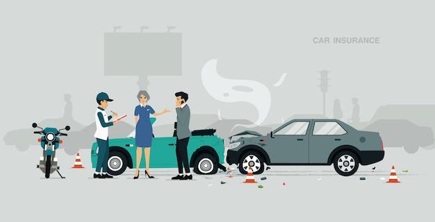 Medewerkers van autoverzekeringsmaatschappijen onderzoeken informatie over verkeersongevallen