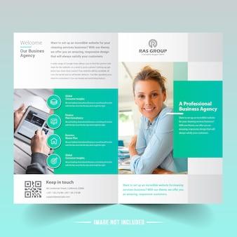Medische dienst bifold brochure template