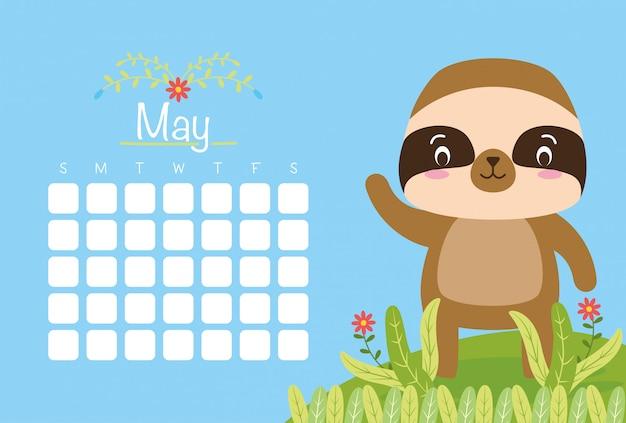 Mei-kalender met schattige dieren over blauwe, vlakke stijl