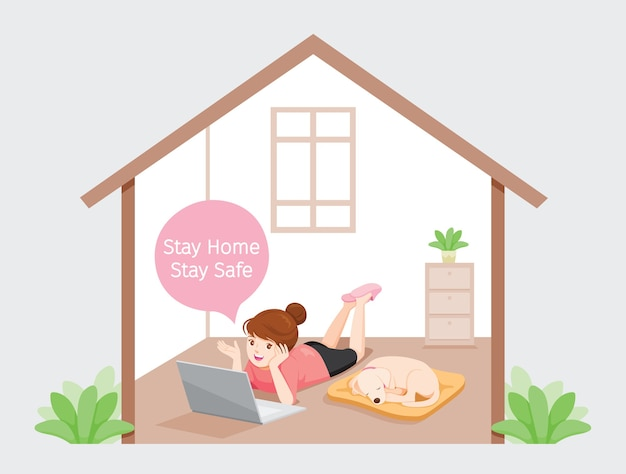 Meisje blijft thuis, blijf veilig op de vloer liggen met hond, werkt vanuit huis met laptop, leren, thuis winkelen, zelfisolatie, zichzelf beschermen tegen coronavirus, covid-19