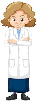Meisje dat laboratoriumtoga draagt die zich op wit bevindt
