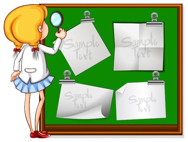 Meisje dat nota's aan boord bekijkt