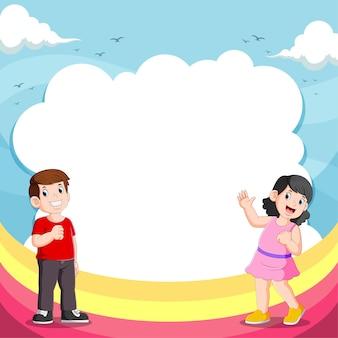 Meisje en haar vriend praten met de lege zeepbel toespraak