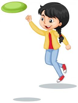 Meisje in gele jasje het spelen frisbee op wit