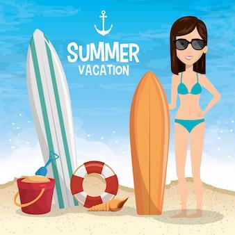 Meisje in het strand met zomervakanties