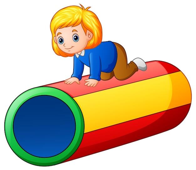 Meisje op de kleurrijke tunnel