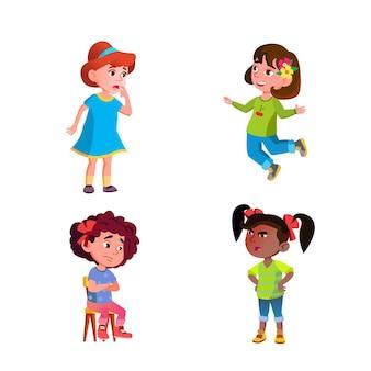 Meisjes kinderen verschillende emoties stemming set vector. gelukkig springen en boos schreeuwen naar vriend, nadenkend en verdrietig, verrast en enge kinderen emoties. tekens expressie platte cartoon illustraties